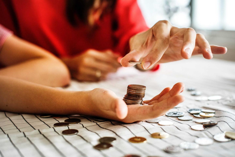 e1f8a0b9fba09014ad5e3f45bd7387bf_adult-banking-blur-1288483-e1542281609390-3000-c-90