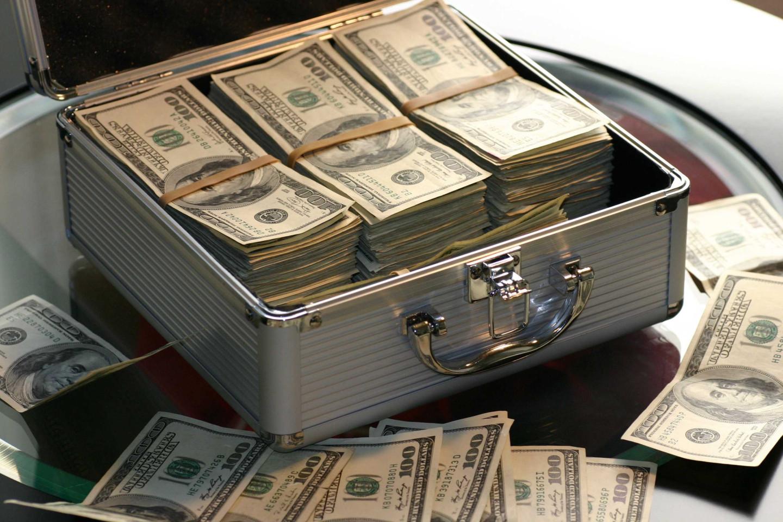 e5618968815b08d82e1a885b9e5f586b_abundance-bank-banking-259027-3072-c-90